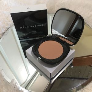 Marc Jacobs Accomplice Instant Blurring Powder-54